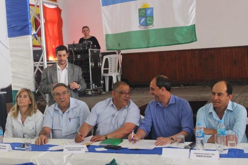 Plenario de Municipios y AZONASUL firmaron Acuerdo